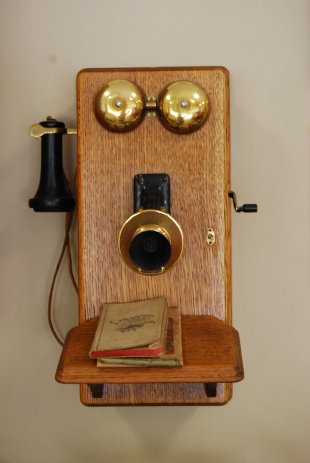 Telephone Eyes